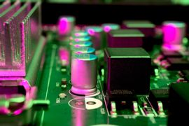Eletronica--Funcionamento-de-Transistores